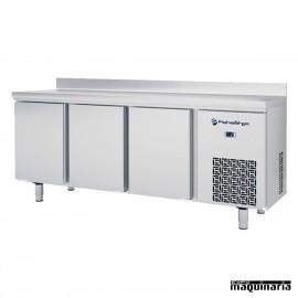 Mesa refrigegrada (196 x 70 cm) IFFM703P GN 1/1 con 3 puertas