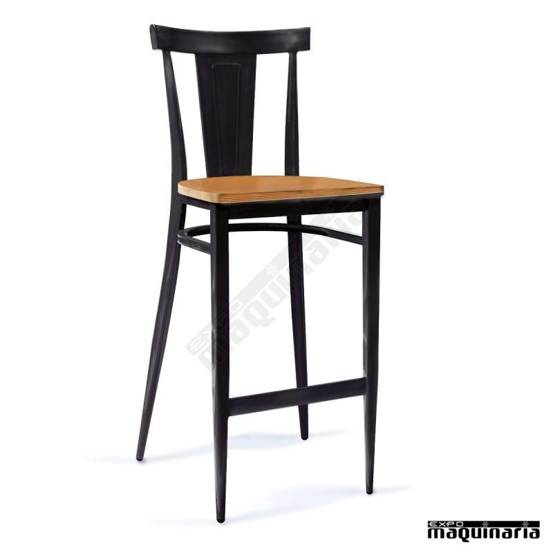 Taburete con respaldo acero pintado y asiento de madera for Taburete bar madera